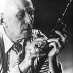 """Aleister Crowley - cca. 1947 e.v. - Em """"Netherwood, Hastings"""", onde ele faleceu, em 1º de dezembro"""