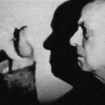 """Aleister Crowley - cca. 1947 e.v. - Em """"Netherwood, Hastings"""", onde ele faleceu, em 1º de dezembro."""