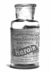 Heroína da Bayer, usada na época de Crowley para asma, bronquite, tosse, etc...